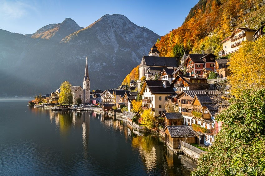 Hallstatt-Lake-Austria-in-the-summer.jpg