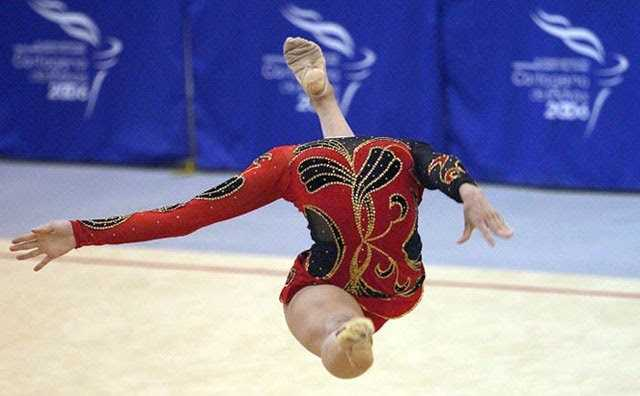 headless-gymnast-perfect-timing.jpg