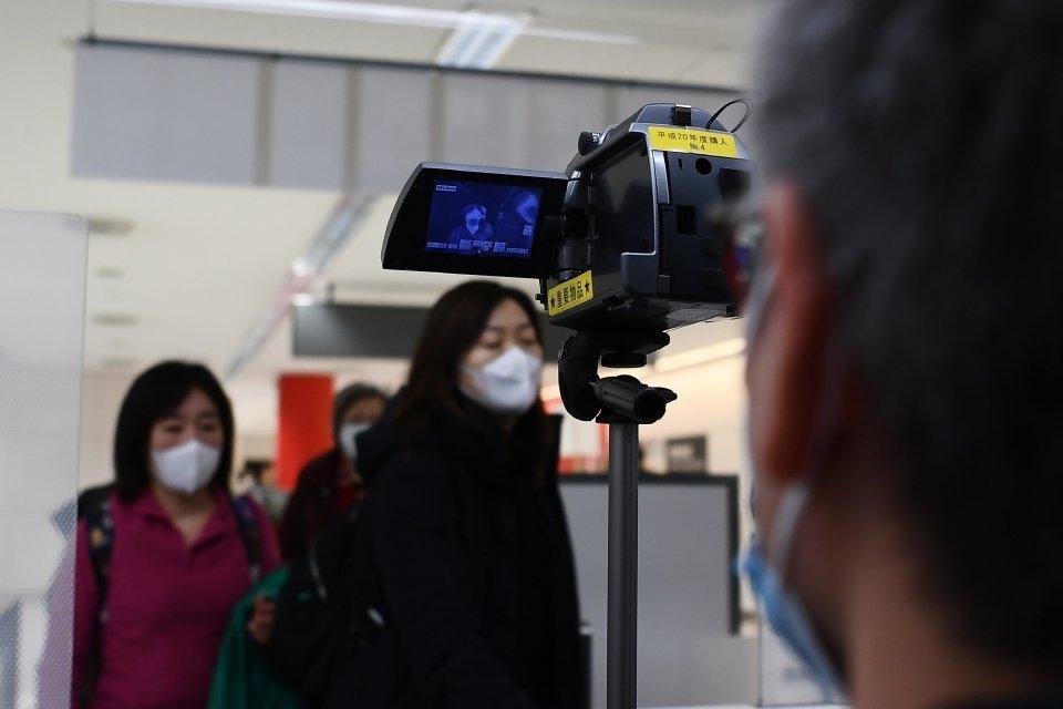 Kamera khas dipasang di Lapangan terbang Narita berikutan penularan wabak Coronavirus di Jepun. - Fo ...