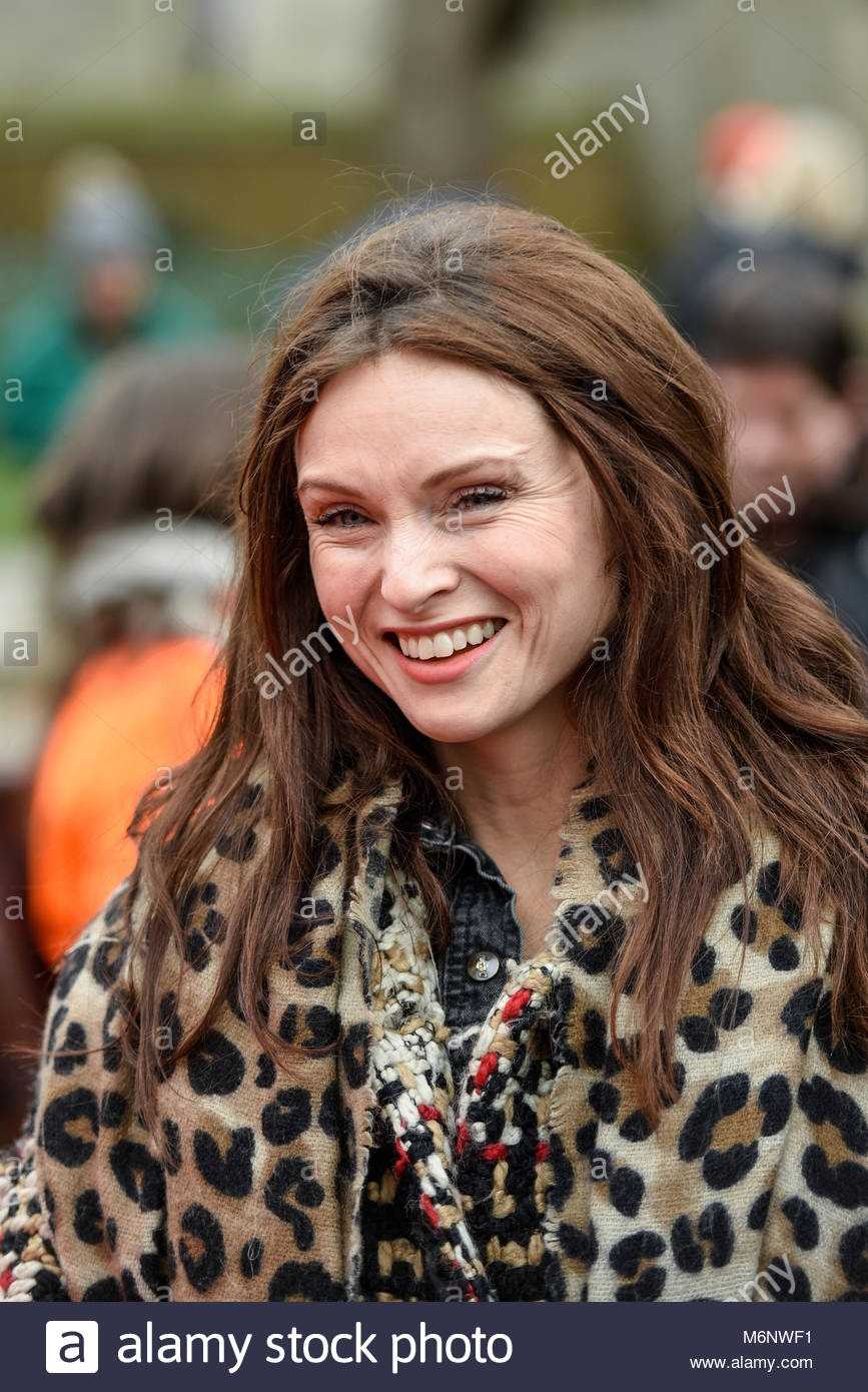 sophie-ellis-bextor-prior-to-performing-at-the-march-4-women-equality-M6NWF1.jpg