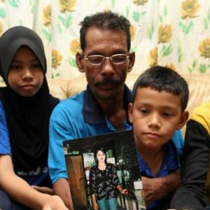 Bini orong 4 anak lari ikut Mat Lombok !