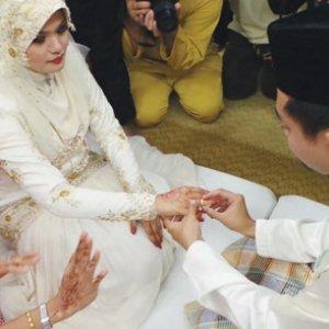 Pernikahan unik pasangan OKU
