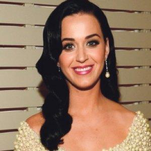 Katy Perry selesa sendiri