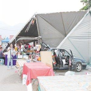 Ribut landa bazar Ramadhan sekelip mata musnah!