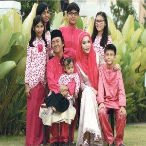 Aziz M Osman Rindu Kenangan Beraya Di Singapura