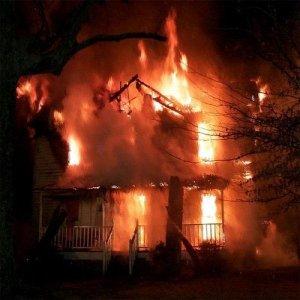 Nenek Tak Sangka Rumah Terbakar