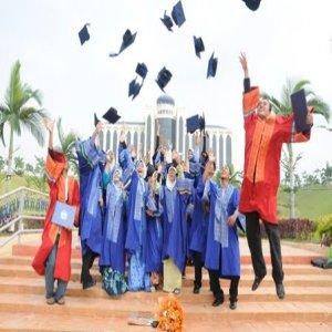 Starting Gaji Tinggi Lulusan Master, Phd