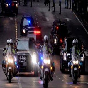 Khidmat Pengiring Selain Polis Adalah Salah