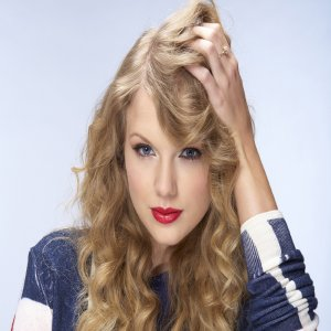Taylor Swift Rela Sendiri