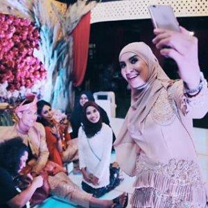 Mohd Daud Mckienzie Sah Bergelar Suami Lana Nordin