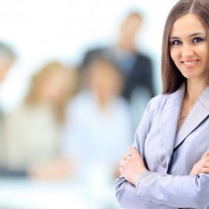Benarkah Wanita Cantik Lebih Mudah Mendapat Pekerjaan?