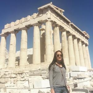 Maya Karin Belayar Bersama Keluarga Di Greece