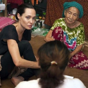 Kecoh Berita Angelina Jolie Melawat Sarawak?