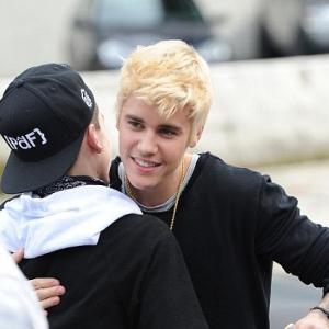 Rambut Baru Justin Bieber, Kelangit Ke Kelaut?