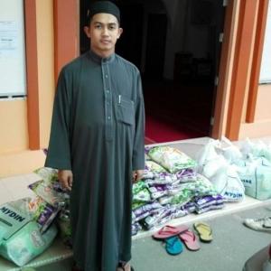 Siapa Terputus Bekalan Susu, Beras Boleh Ke Masjid Ini