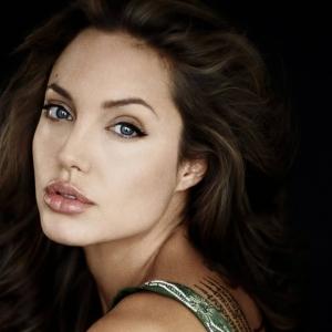 Angelina Jolie Kesal Netizen Tak Endah Serangan Di Lebanon