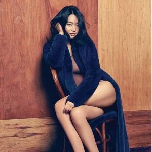 Shin Min Ah Beraksi Seksi Dalam Majalah Arena Homme