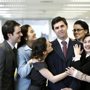 Mengapa Gaji Bulan Ke 13 Bukan Dikira Bonus