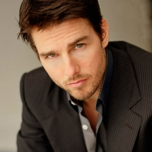 Wajah Membengkak, Tom Cruise Dikatakan Buat Pembedahan Plastik