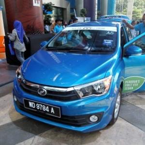 'Gaji RM2,000 Tak Patut Beli Perodua Bezza.' - Netizen