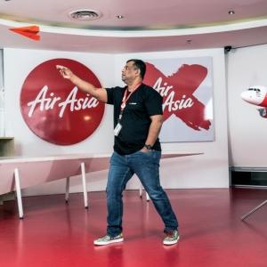 Kejayaan Air Asia, Tony Fernandes Buktikan Kebolehan Buat Bapanya!