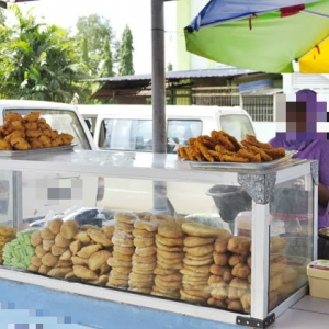 'Donut Dan Sushi RM3 Sebiji Takpe, Tapi Kuih Tepi Jalan 50 Sen Dikutuk Mahal?'