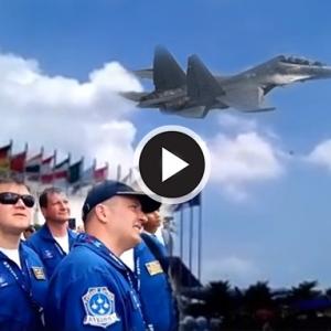 LIMA2017 - Pilot Russian Knight Kagum Lihat Aksi Aerobatik Luar Biasa Sukhoi TUDM