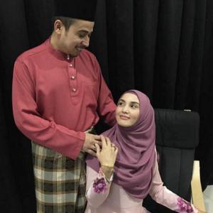 Fiza Halim Sambut Raya Dengan Siapa Tu? Suami Baru Ke?