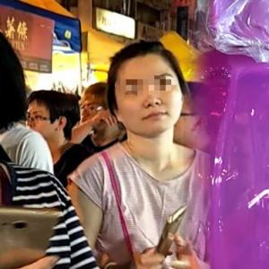 Dah Calarkan 'Tupperware', Buat Drama Pula Aunty Ni!