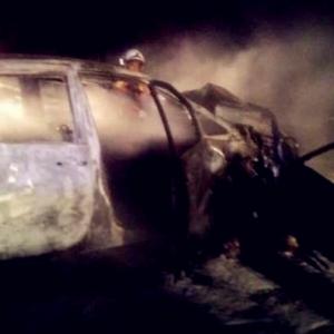 Ngeri! Pemandu Terbakar Hidup-hidup, Tercampak Keluar Dari Kereta
