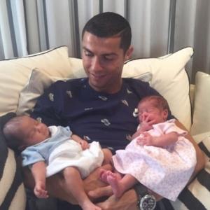 Pakar Bedah Kritik Cristiano Ronaldo Guna Ibu Tumpang, Anggap Lakukan Jenayah