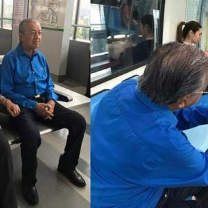Tun Mahathir Bawa Isteri Jalan-Jalan Naik MRT Sempena Cuti Panjang