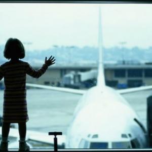 Lari Dari Ibu Bapa, Budak 7 Tahun Curi Masuk Dalam Kapal Terbang