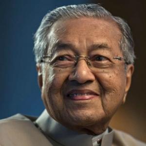 Khidmat Pengawal Peribadi Tun Mahathir Ditarik Balik