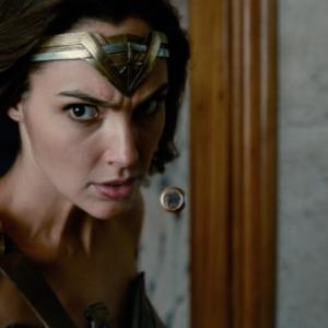 Gal Gadot Asyik Termuntah Ketika Shooting Justice League, Ini Sebabnya...