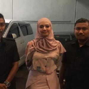 Wah Kelas Gitu, Fathia Latiff Pasang Bodyguard?