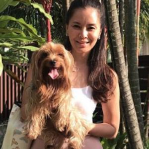 Daphne Iking Pegang Anjing, Halal Atau Haram? Penjelasan Ini Buat Netizen Berbalah