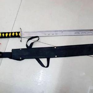 Acu Pedang Samurai Dalam 'Perang' Keluarga
