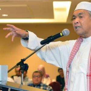 'Fakta Tak Konsisten, PH Macam Tempe' - Zahid Hamidi