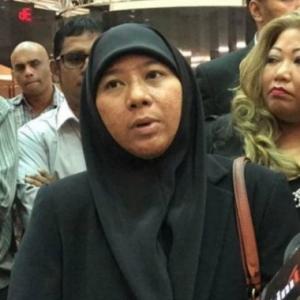 Asiah Abd Jalil Kecewa, Suami Sibuk Beribadah Di Masjid