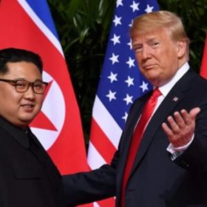Pertemuan Bersejarah Donald Trump Dengan Kim Jong-un Di Singapura