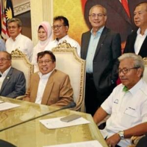 BN Sarawak Umum Keluar Dari BN Pusat, Kini Dinamakan Gabungan Parti Sarawak