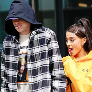 Peminat Tergamam Ariana Grande Dedah Saiz Kemaluan Tunang Di Twitter