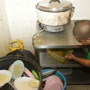Terlampau Kotor, Tiga Restoran Nasi Kandar Popular Di Penang  Diarah Tutup