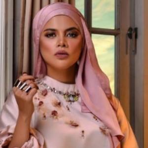 Patutlah Tak Dapat Jemputan, Alyah Tak Tahu Digam Stesen TV