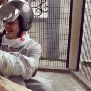 Percubaan Aliff Syukri Menjinakkan Kucing Buat Netizen Berdekah Ketawa...