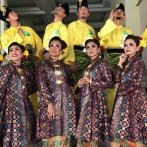 Bekas Madu Izreen Azminda Dikeji, Sanggup Buka Tudung Untuk Sertai Pertandingan Menari