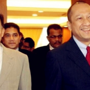 """""""Saya Penyokong Tegar Anwar Ibrahim Sejak Dahulu Lagi""""- Nazri Aziz"""