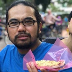 """Bukan Lu Nak Pakai Dia Pun,""- Ozlyn Bidas Netizen Kritik Johan Selekeh"