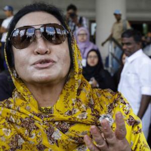 """Dulu Rosmah Bangga Wartawan Ambil Gambar Dia, Sekarang..."" - Netizen"